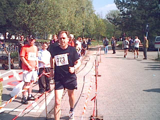 Im Ziel, Zündorf/Köln am 21.04.2002