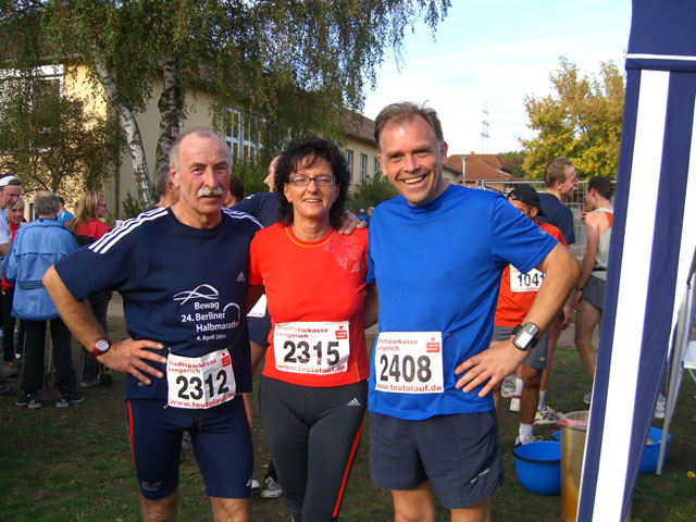 Nach dem Teutolauf in Lengerich-Hohne am 21.10.06 zusammen mit Elke Stephan und Heinz Neuhaus vom Walkingtreff Möhnesee.