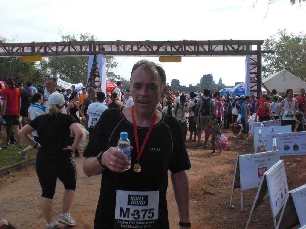 Halbmarathon in Angkor Wat/Kambodscha am 04.12.2011